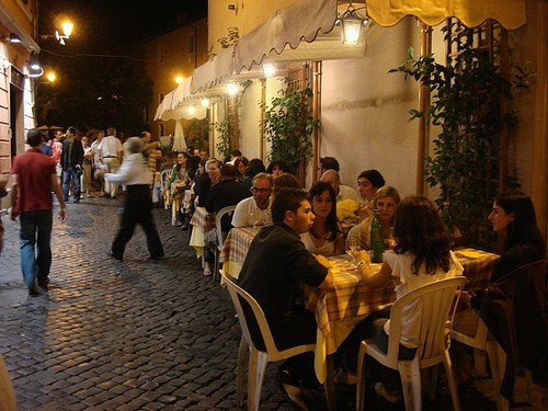 Outdoor dining in Rome